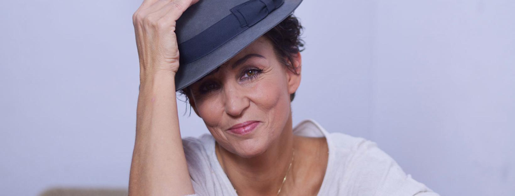 Sandra Kreisler mit Hut